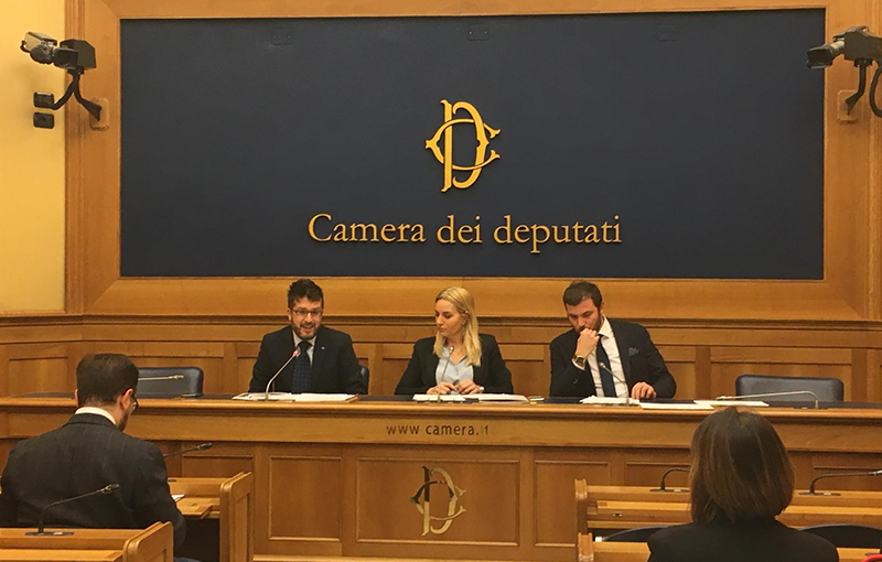 Conferenza stampa alla camera dei deputati for Rassegna stampa camera deputati