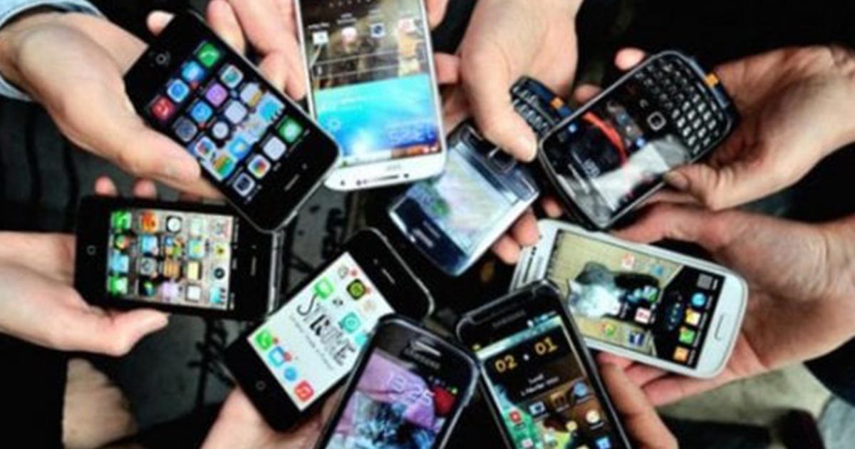 Smartphone, l'ossessione degli adolescenti